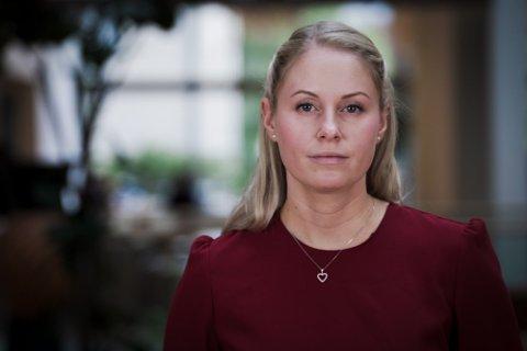 ALDRI: Seriøse aktører vil aldri be deg oppgi sensitiv informasjon via telefon, SMS eller e-post, advarer svindelekspert Ida Marie Edholm i Nordea. Foto: Nordea