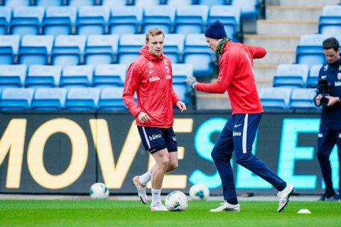 Marius Lode og Erling Braut Haaland under en trening på Ullevaal Stadion.