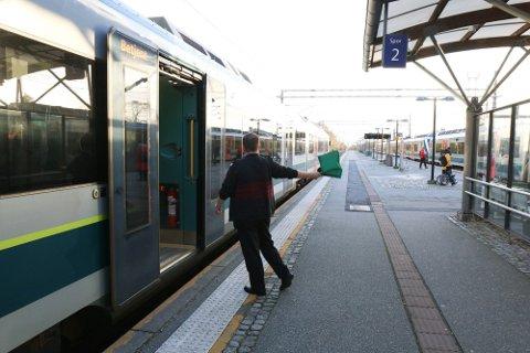 HENTA PÅ TOGET AV POLITIET: – Mannen blei sett av på togstasjonen på Bryne, der politiet kom og henta han, opplyser Asgeir Jakobsen, politioverbetjent ved Jæren politistasjon.