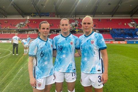 TAPTE SÅ DET SANG: Tuva Hansen (t.v), Elisabeth Terland og Maria Thoristottir var alle på banen i en historisk dårlig prestasjon for Norge.