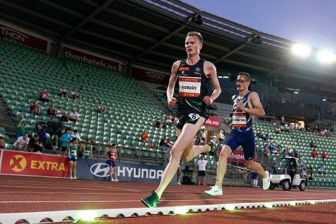 NÆRMER SEG OL-DRØMMEN: Narve Gilje Nordås satte personlig rekord på fredagens 5000 meter på Bislett, og selv om OL-kravet glapp, er det ting som tyder på at drømmen kommer nærmere for løperen fra Voll.