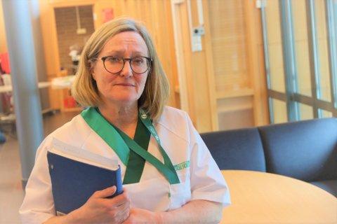 LENGER VENTETID: Den auka pågangen har ført til at folk har venta litt lenger for å få plass til koronatest enn det dei har vore vant med, fortel Ellen Marie Kaldberg, leiar for luftveislegevakten i Klepp.