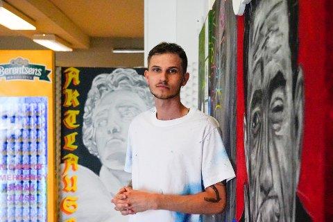 KUNST: Under navnet 14custom lager Joar Ivan Søiland Jonassen kunst. Han håper å en dag kunne leve av det.
