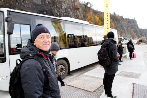 PENDLER: Gunnar Haugane får mye lenger vei til og fra jobb enn vanlig, men er innstilt på å innrette seg de fire ukene det tar. – Det blir jo veldig bra til slutt, sier han.