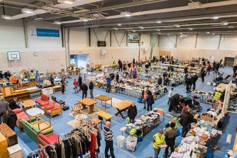 ORGANISERT: Lions' loppemarkeder i Hofhallen har ry på seg for å være godt organisert.