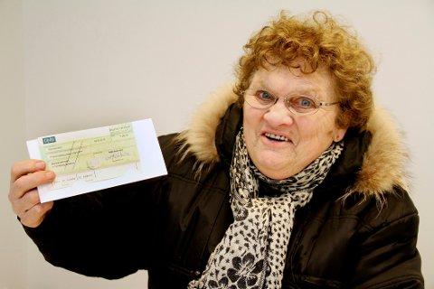STUSSER: Et brev til Lise Nygård ble funnet på veien en halv kilometer unna postkassen hennes. Bildet er tatt i en annen anledning.