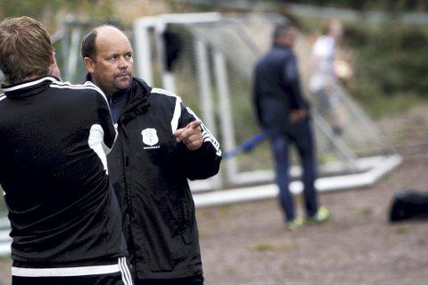 Snakker ikke opprykk: HIF-trener Carl Erik Brathlie tar fortsatt én kamp av gangen. Foto: Even Berthelsen