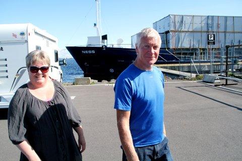 FØRSTEREIS: Nina og Gunnar Lindhjem fra Larvik hadde sin første bobilovernatting i Holmestrand i forrige uke.