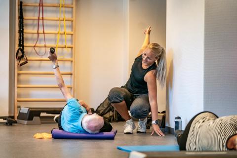 SER PÅ NYE LØSNINGER: Fysioterapistudent Anneli Skaane jobber med å få virtuell styrketrening inn som forebyggende trening i bydel Nordstrand som er første og eneste ut i Norge med denne teknologien, men Skaane vil gjerne ta med seg denne type trening til Holmestrand også.