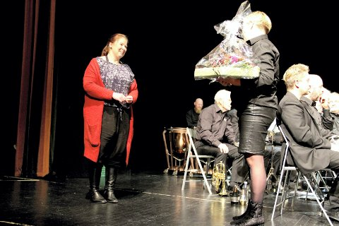 FIKK ROS: Birgit Vildalen fikk verbale blomster under siste styresamling i turistforeningen.