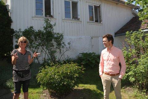 FORNØYD: Marie Kürstein fikk hjelp av megler Stein Erik Lie til å selge boligen allerede før ordinær visningsrunde, og er fornøyd med avtalen som kom på plass med kjøperne.