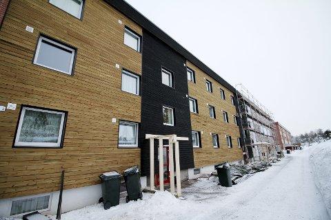 To farger: To farger og etterisolerte vegger, er en del av jobben med modernisering og oppgradering. Foto: Pål Nordby