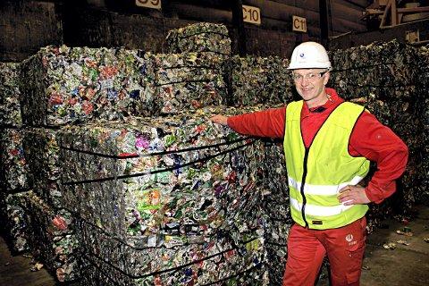 SLIPPER UNNA: Robert Grønli er vikarierende fabrikksjef ved Hydro i Holmestrand.