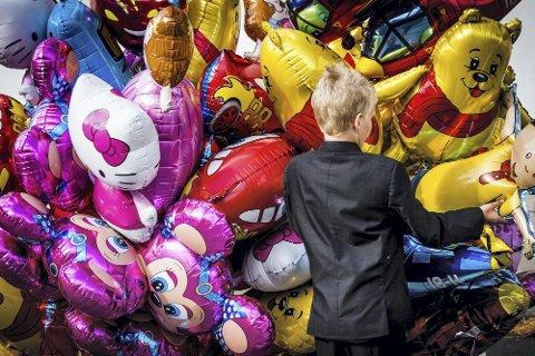 Helium og plast: Ballongsalg fra 17. mai for noen år siden. Foto: Alexander Svanberg