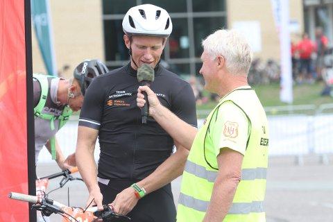 Rennleder Tom Arne Akerholt og Frank Løke før start på Løke Challange.