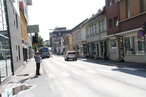 STENGES: Langgaten blir stengt i begge retninger mellom Weidemanns gate og Dr. Graaruds plass.