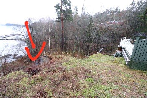 STORT RAS: Raset ved hyttefeltet på Helland (markert med pil) skal måle 20 ganger 20 meter.