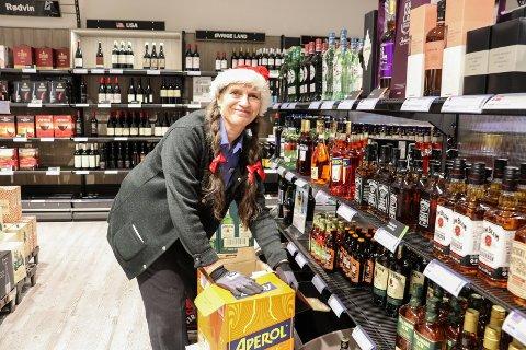 JULEGLAD: May-Lisbeth Baumann Kosmo på polet har mye å gjøre lille julaften.