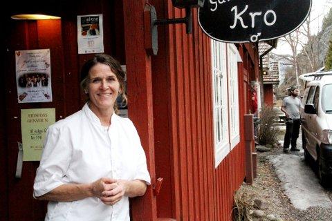 HAR TING PÅ STELL: Beate Bettum, daglig leder ved Gamle Eidsfos Kro, har hvert år fått smilefjes fra Mattilsynet.