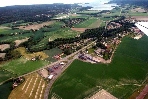 EIENDOMSSKATT: Sande kommune krever inn eiendomsskatt, men er blant de få norske kommunene som ikke er med i NRKs nye oversikt.