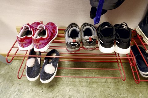 Så er vi i gang: Mandag startet skolen, og tusen-vis av småtasser har blitt elever. Foto: Pål Nordby