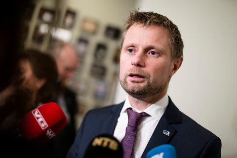 Bekymret: Helse- og omsorgsminister Bent Høie (H) er bekymret for smittespredning i jula. Foto: Audun Braastad / NTB scanpix