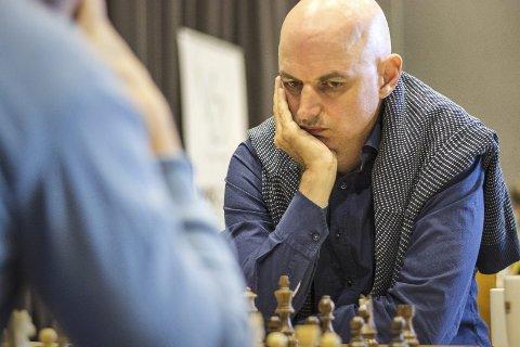 Sjakk-kjendis: Atle Grønn blir trekkplasteret når Holmestrand sjakklubb feirer sine ti første år 31. mars. Pressefoto