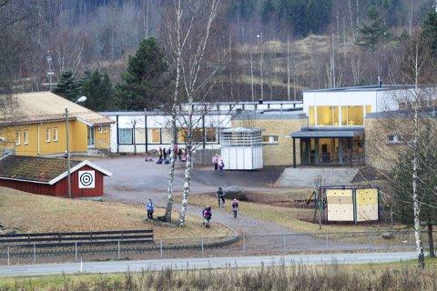 Hof skole: Dersom kuttforslaget til kommunedirektør Hans Erik Utne blir vedtatt, vil Hof skole få et kutt på 771.346 kroner.