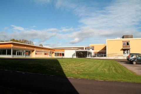 Gjøklep ungdomsskole er en av skolene som har et smitteutbrudd nå.