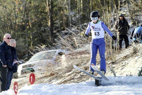 Tråkket til på hoppkanten: Henrik Kaiser (11) fra Gjerpenkollen hoppklubb tråkket til på hoppkanten i K10, og landet langt ned i bakken i januar 2017. Arkivfoto: Pål Nordby