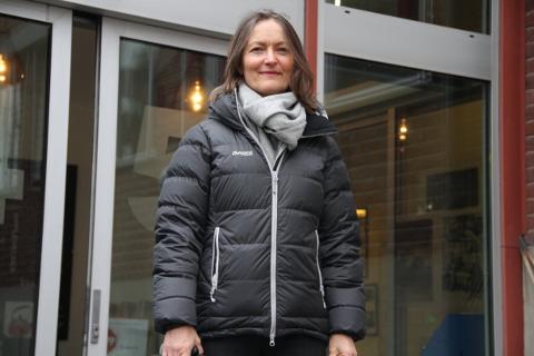 – MÅ OPPLEVES SOM TRYGT: Kommunalsjef Inga Marie Klæboe Faleide sier kommunen har en tydelig forventning om at fylket tar en ny vurdering på om gjeldende smittevernkrav innfris på bussene.