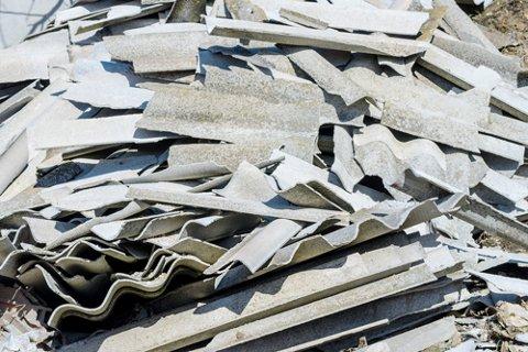 KREVDE OPPLÆRING: Arbeidstilsynet ga Holmestrand kommune pålegg om å gi informasjon og opplæring til dem som kan utsettes for støv med asbestfiber. Dagen før fristen gikk ut, leverte kommunen nødvendig dokumentasjon.
