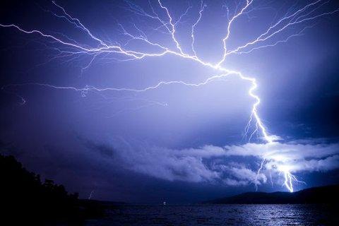Mest skader: August er måneden lynskader koster nordmenn mest. Foto: iStock.