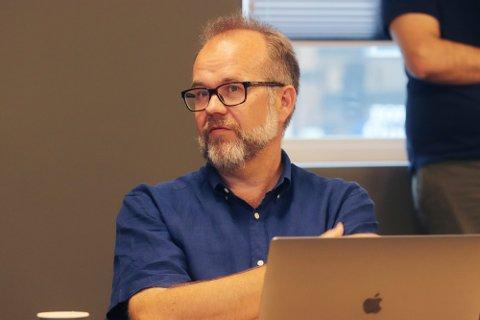 BEKYMRET: Knut Vidar Hoholm (KrF)  mener det er flere konkrete eksempler på saker som gjør at både han og en god del av Holmestrands innbyggere setter store spørsmålstegn ved om de kan ha tillit til plan- og byggesak sin saksbehandling.