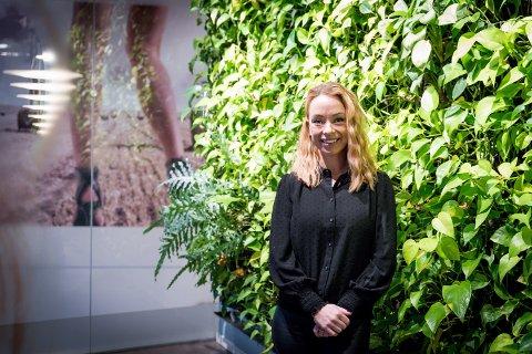 TAKKNEMLIG: Tina Rismoen, kreativ leder i Hairport-kjeden, ønsker å gi noe tilbake til Romerike.