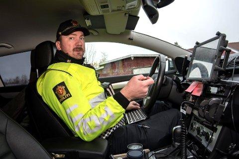 RUSING OG HØY FART: UP-leder Stig Inge Bakken sier mange beboere i Jessheim sentrum er plaget av høy hastighet og rusing av biler i helgene.