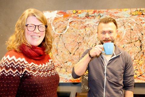 VIL LÆRE: Karl-Erik Heimdal og Birgit Støverud Johnsrud er to av studentene ved kommunikologiutdanningen på Jessheim, som forøvrig er den eneste i landet.