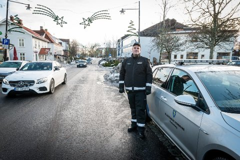 FÅR INN KLAGER: Parkeringskonsulent Øystein Lunde bekrefter at mange har klaget på ilagte gebyrer etter at kommunen begynte å håndheve parkeringsbestemmelsene i november i fjor.