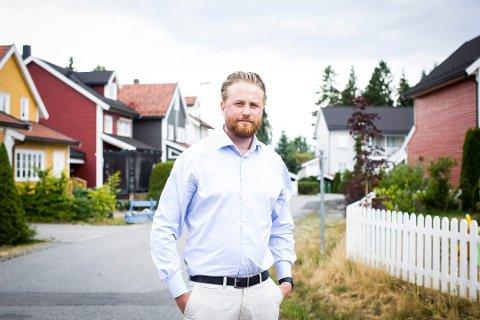 ENORM VEKST: Ordfører Eyvind Jørgensen Schumacher synes det er fascinerende hvor raskt befolkningsveksten går.