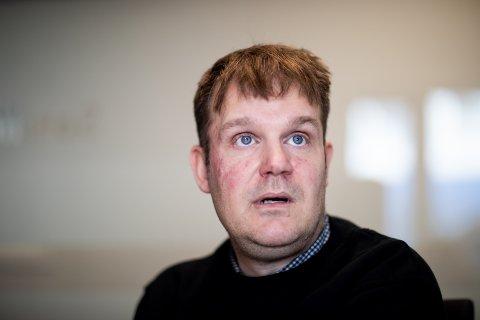 ENDTE GODT: Tom Rune Løkkemo var ung og aktiv og hadde livet foran seg. Så settes alt ut av spill på idrettsbanen. Likevel har 47-åringen fått et godt liv.