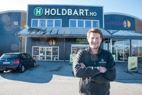 LYSE TIDER:  Daglig leder Tore Rud-Johansen i Holdbart på Jessheim har hatt en jevn vekst siden butikken startet opp i 2017. I fjor endte filialen opp med en vekst på 30 prosent.
