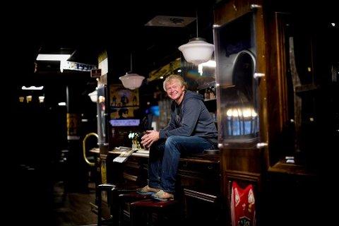 SATSER I KORONATIDER: Jan Martinsen, her avbildet på Martin's i Lillestrøm, skal lage irsk pub på Jessheim som åpnes så fort myndighetene tillater det.