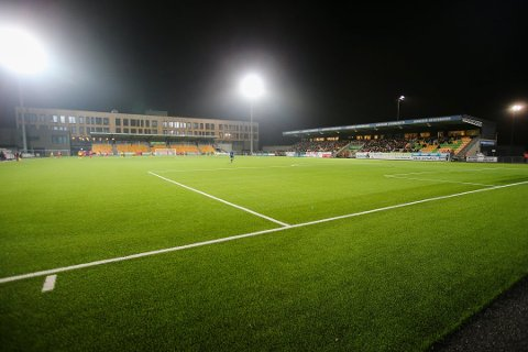 MULIGHETER: Nå er det igjen muligheter for å trene på anlegg som Jessheim stadion - hvis man følger regelen om maksimalt fem personer samme og holder avstand.
