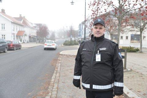NY TID: Parkeringskonsulent Øystein Lunde forstår at de nye parkeringsbestemmelsene gjør hverdagen vanskeligere for enkelte, men mener samtidig at avgiftsordningen kommer sentrum til gode.