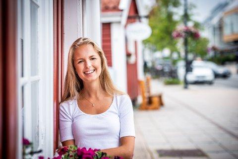 PÅ VEI: Isabelle Molander får muligheten til å studere ved et av verdens ledende universiteter uten å måtte ta på seg ytterligere studielån.