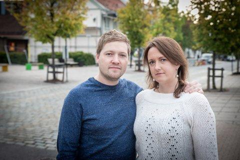 FRUSTRERTE: Samboerparet Erland Slettmoen og Lolita Vingre føler de stanger i veggen etter at Lolita ble permittert. Nå utsetter de den planlagte familieforøkningen.