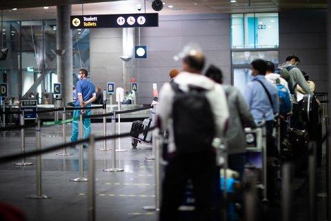 OBLIGATORISK: Over 80.000 mennesker er nå testet på teststasjonen på Oslo lufthavn Gardermoen.