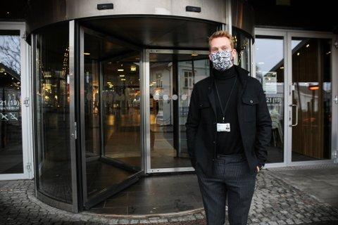 120 BUTIKKER STENGT: På Jessheim Storsenter er det kritisk for butikkene som nå ikke har noen form for omsetning.