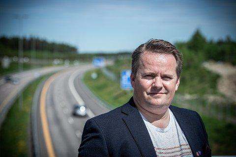 VIL IKKE GAGNE NOK: Ståle Lien Hansen (FrP) mener svært få i Ullensaker vil nyte godt av statlig bostøtte.