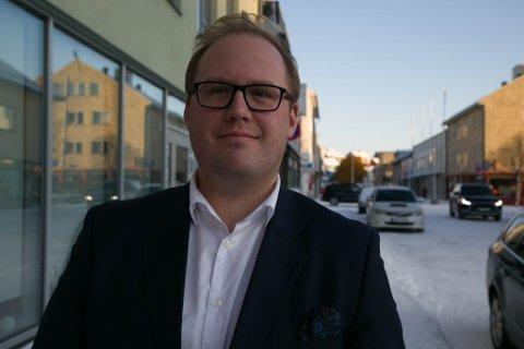 ADVOKATPRAKSIS: Kirkenesgutten Morten Henriksen har etablert advokatpraksis i hjembyen sin. Nå vurderer han om bedrifter som vurderer å gå til sak mot Sør-Varanger kommune, har en god sak.